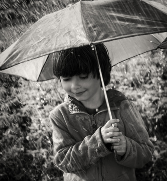 Boy_Umbrella